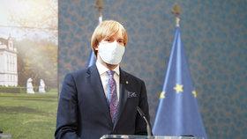 Hackeři napadli české nemocnice i ministerstvo, přiznal Vojtěch v Senátu