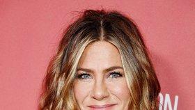 Hvězda Přátel Jennifer Anistonová už není sama: V posteli má Lorda Chesterfielda!