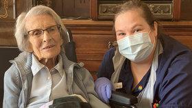 """Šťastná prababička (106) porazila koronavirus. """"Nemůžu se dočkat, až uvidím rodinu"""""""