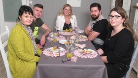 Vypečené Prostřeno!: Soutěžící narazí u stolu na vegana! Jaká bude jejich reakce?