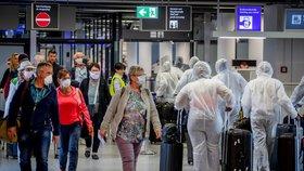 Poletíte přes Německo? Letiště nově od turistů žádají negativní test či karanténu
