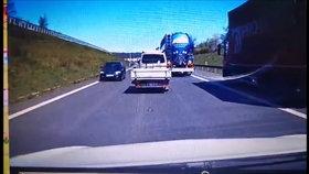 Na dálnici D8 se u tunelu objevil řidič v protisměru! Řidiči mu v šoku uhýbali!