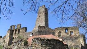 Muž (†41) se zřítil z věže hradu Okoř! Tělo našli až po několika dnech