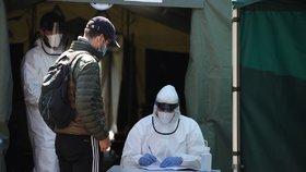 Na Vysočině se znovu nakazil člověk vyléčený z koronaviru. Lékaři řeší, co to znamená