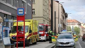 Mrtvola ve světlíku v Nuslích: Policie vyšetřuje, jak osoba dovnitř spadla