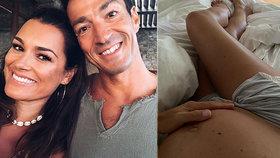 Alena Šeredová měsíc před porodem: Dojemná fotka s miliardářem a odhalené bříško!
