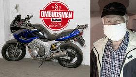 Odstavená motorka pět let překážela, policie nepomohla! »Odstranil« ji až článek Blesku!