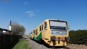 Vlak srazil člověka mezi Čerčany a Senohraby: Doprava stojí!