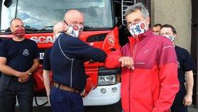 Dojemné sbohem u pražských hasičů: Hrdina Petr alias Matěj sloužil u sboru 41 let! Zachraňoval i v Nepálu