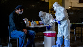 Koronavirus se dál šíří mezi horníky v Ostravě: Případů přibývá, plošně tu testují