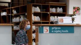 Pražské knihovny se po koronavirové pauze otevřely čtenářům: Do karantény teď musí knihy!
