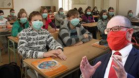 """""""Zrušte druhý termín přijímaček. Nestíháme,"""" prosili loni Plagu. Byl virus jen záminka?"""