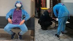 Mladík se zákazem řídil auto v kostýmu Ijáčka: Oslovi hrozí vězení