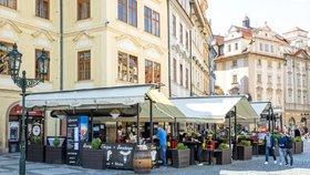 Úlevy pro podnikatele: Těm nejzasaženějším Praha odpustí či sníží nájem, schválili radní