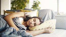 Problémy se spánkem, které byste měli řešit s lékařem. Na co si dát pozor?