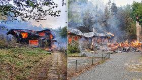 Hrůzný požár nedaleko Gottovy roubenky: Historické chaty v Českém Švýcarsku lehly popelem!