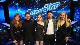 Superfinále SuperStar už zítra! S jakými hity jdou soutěžící do boje o 2 miliony korun?