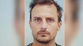 Policie hledá uprchlého trestance: Zkrátil si trest o 4 roky!