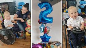 Maxík po aplikaci nejdražšího léku světa: Jak oslavil druhé narozeniny?