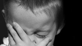 Úřady odebraly rodinám v Česku přes 3500 dětí: Je za tím zanedbaná péče, týrání i zneužívání