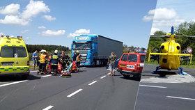 Smrtelná nehoda na Chomutovsku: Srážku tří vozidel nepřežil motorkář!