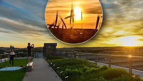 Dechberoucí záběry! Západ slunce a Praha jako na dlani ze střechy zemědělského muzea, podívejte se