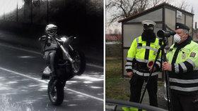 Nebezpečná jízda motorkáře v Novém Jičíně: Kolem radaru projel v 93 km/h na zadním!