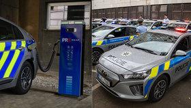 Nové posily v řadách pražské policie: Do ulic vyrazí 20 elektromobilů, piráty silnic ale honit nebudou