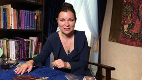 Svatojánská věštba Helen Stanku: Jiskření ve vztazích, nové známosti a velká ochrana runy