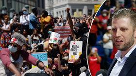 """""""Zvířata, co zabírají naše města, vypalují kostely,"""" Trumpův syn se tvrdě obul do demonstrantů"""