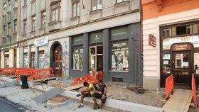 """""""Zpovykaným Pražanům"""" se opět rozkope Žižkov. Začíná oprava Koněvovy ulice"""