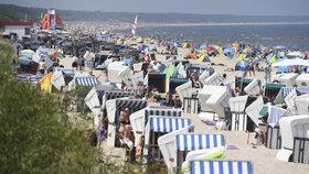 Němcům začaly prázdniny a ti vzali útokem pláže. Z pandemie si hlavu nedělají