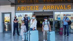 Posílení odběrů a předbíhání s výsledky testů: Vláda vyjde u Řecka vstříc dovolenkářům