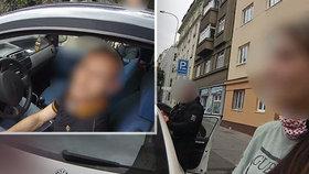 Policisté zadrželi tři zdrogované řidiče. Jeden z nich vezl přítelkyni auto z Německa