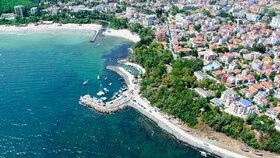 Bulharsko: široké písčité pláže, pestrá příroda, zábava a odpočinek. Po návratu nemusíte do karantény