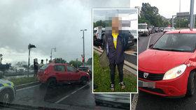 Policejní honička podél Vltavy skončila bouračkou: Řidič (41) byl zdrogovaný