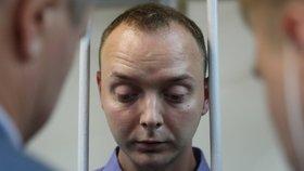Až 20 let za vlastizradu: Bývalý novinář Safronov měl Česku donášet na Rusko