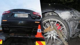 Mladý řidič zrušil před Hradcem maserati: Od policie dostal lekci