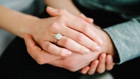 """Na co si dát pozor při výběru zásnubního prstenu a jaké jsou aktuální """"blyštivé trendy""""?"""