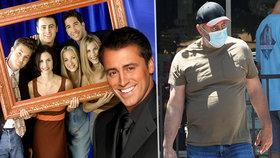 Joey, kam ses poděl?! Matt LeBlanc ukázal před natáčením nových Přátel šílené panděro!