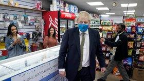 Koronavirus ONLINE: Roušky se vrací na Jihlavsko. A v Anglii je zavedou i s tučnou pokutou