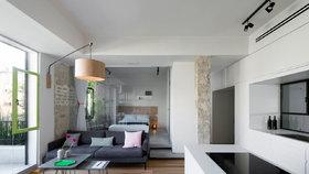 Tmavý byt z 50. let se proměnil ve světlý apartmán s moderním designem