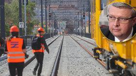 """""""Nemůžeme se nechat přitlačit."""" Havlíček se brání urychlenému zabezpečení železnic"""