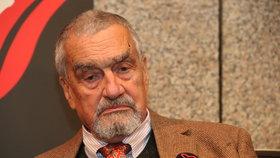 Koronavirus v okolí Schwarzenberga (82): Nejstarší poslanec musel na test kvůli asistentovi