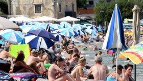 Pro české turisty je Chorvatsko favoritem. Kde na vás čekají omezení a co vyžaduje Řecko?
