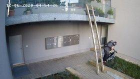 Nebetyčná drzost! Zloděj ukradl z balkonu elektrokolo za 80 tisíc, přinesl si žebřík