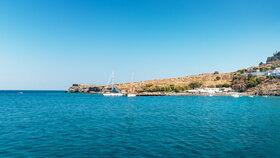 Extra slevy i příspěvek na testy. Cestovky bojují o dovolenkáře mířící do Řecka