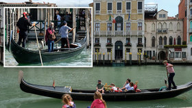 Turisté tloustnou a nevejdou se do gondol: V Benátkách seškrtali počet pasažérů