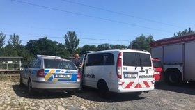 Muž stál bez hnutí na kolejích, zády k vlaku: Zabil ho rychlík