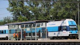 Další tragédie na kolejích: Vlak v Běchovicích smetl muže (†51), na místě zemřel